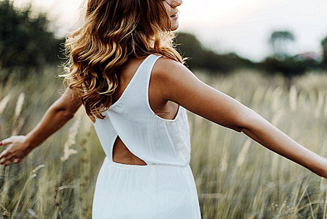 10 consigli per eliminare gli odori di sudore dai vestiti.