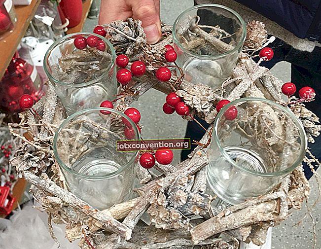 25 fantastiche idee di decorazione natalizia con pigne (facili ed economiche).