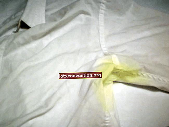 15 consigli della nonna per rimuovere TUTTE le macchie dai vestiti.