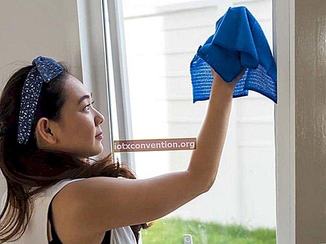 Il detergente per vetri domestici senza striature.