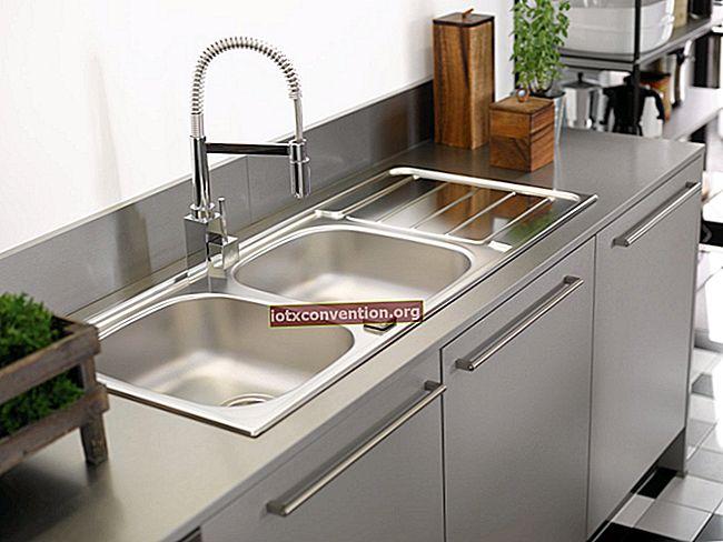 Lavello in acciaio inossidabile: come farlo brillare senza sforzo con aceto bianco.