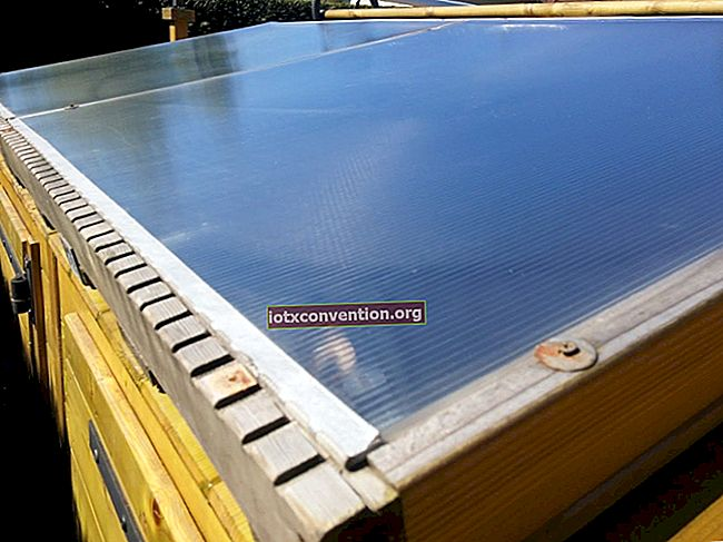 Ecco come aumentare il pH della tua piscina con il bicarbonato di sodio.