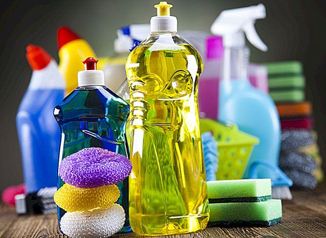 La ricetta per pulire senza fatica le finestre in PVC.