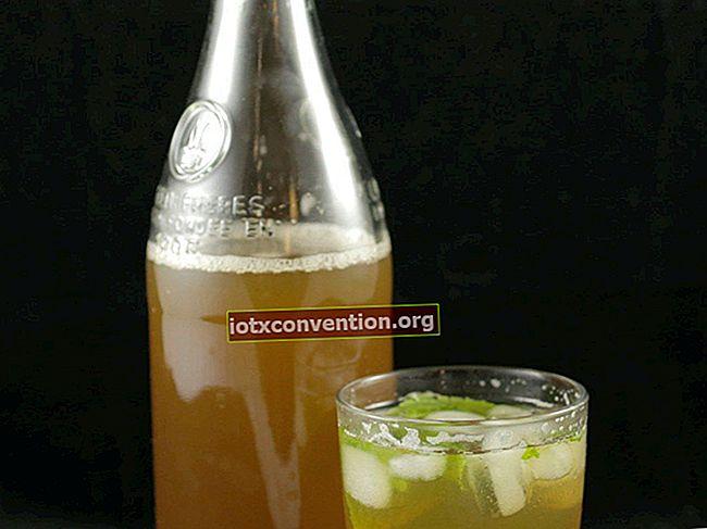 Non è più necessario acquistare il tè freddo! La ricetta super facile per il vero tè freddo al limone.