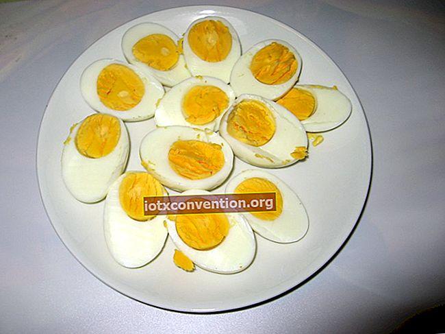 Preparate uova sode? Il consiglio per smettere di romperli durante la cottura.