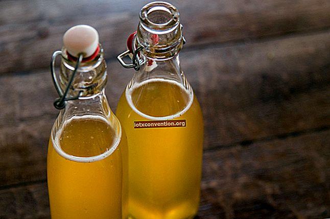La ricetta Kombucha fatta in casa: la bevanda rinfrescante dalle mille virtù.