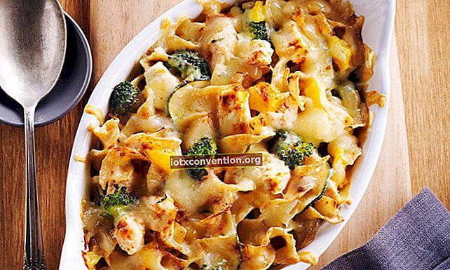 Ricetta facile e veloce: pollo e broccoli gratinati con formaggio.