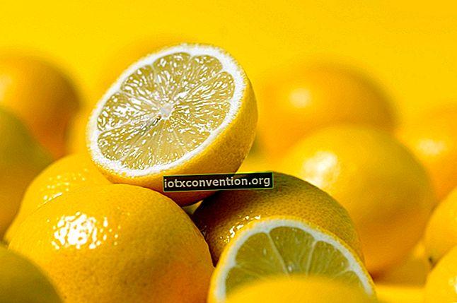 최대 주스를 위해 레몬을 자르는 올바른 방법.