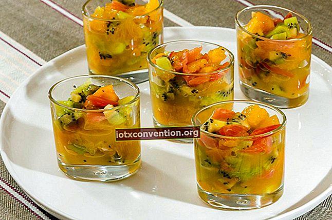 Wirtschaftsrezept: Kompotte mit übrig gebliebenen Früchten herstellen.