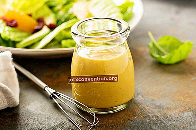 Condimento leggero: la mia ricetta per la salsa di insalata fatta in casa.