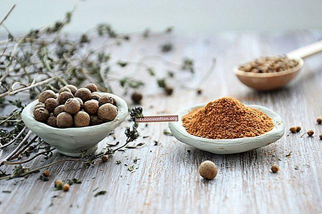 レモンエッセンシャルオイル:あなたが知っておくべき利点、用途、そして家庭のレシピ。
