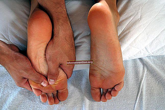 Come alleviare i semi sui piedi con il bicarbonato di sodio?