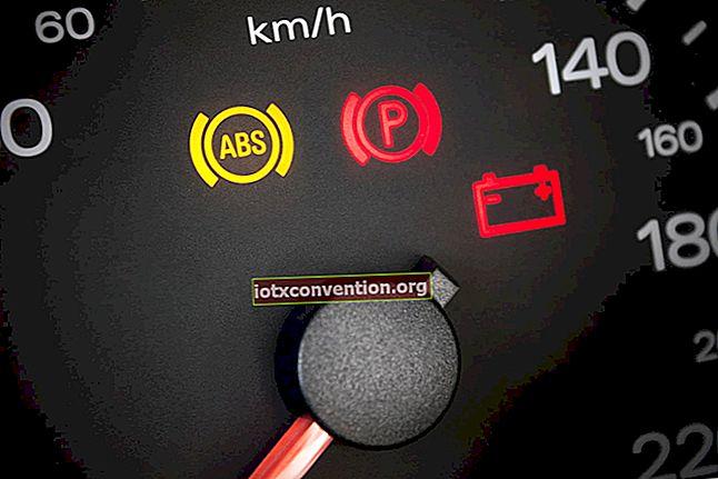 Apa maksud lampu papan pemuka? Panduan yang sangat diperlukan!