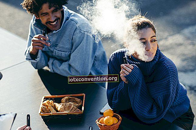 Il miglior consiglio per eliminare gli odori di tabacco in un'auto.